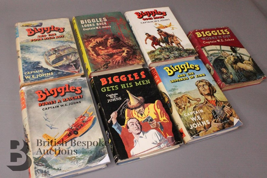 Seven Captain W. Johns Biggles 1st Edition in Dust Jackets - Image 5 of 9