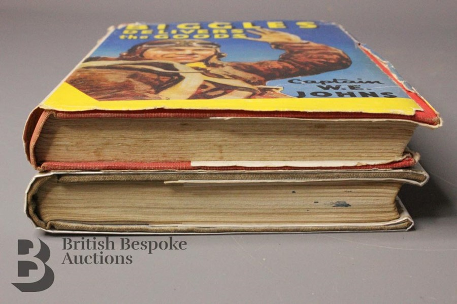 Two Captain W. Johns Biggles Wartime 1st Editions in Dust Jackets - Image 5 of 9