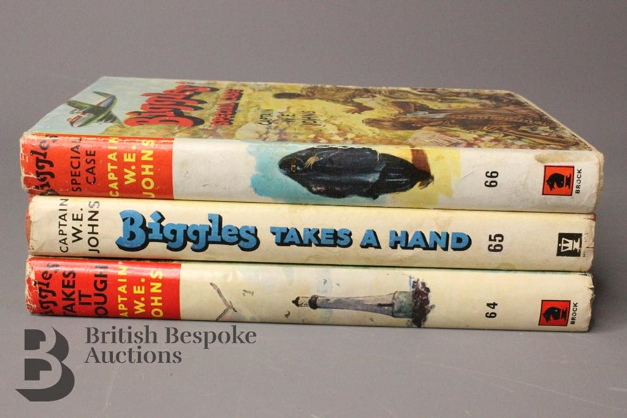 Three Captain Johns Biggles 1st Edition in Dust Jackets - Image 3 of 11
