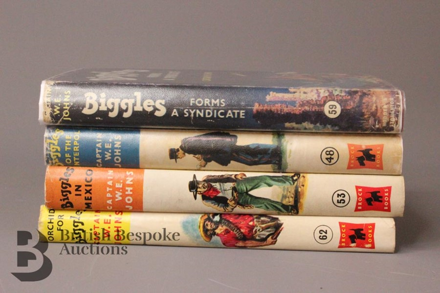 Four Captain W Johns Biggles First Edition with Dust Jackets - Image 6 of 8