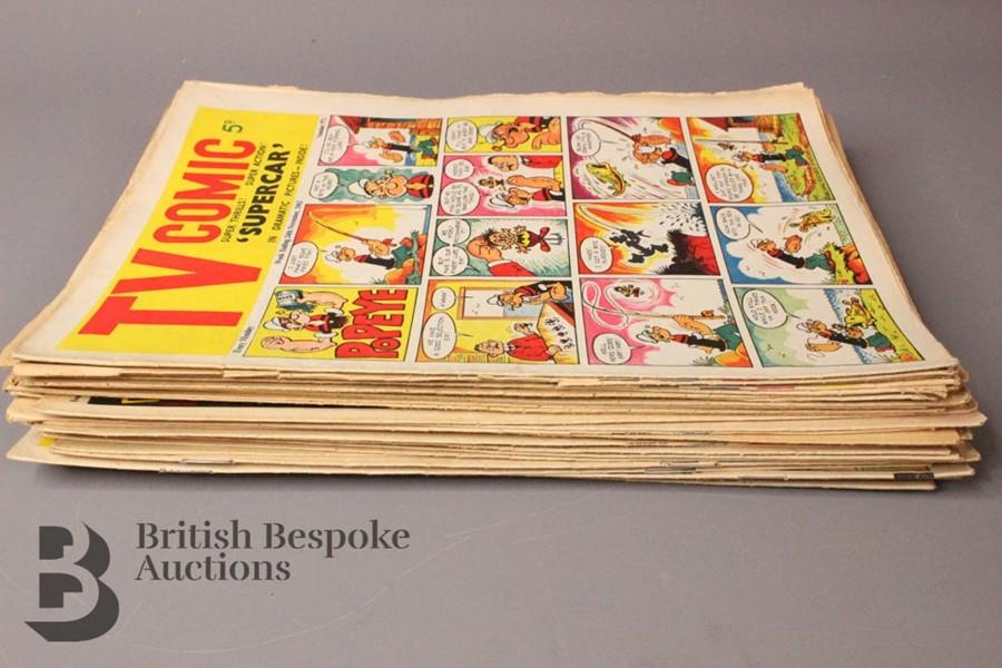Thirty Five TV Comics 1962-70 - Image 5 of 5
