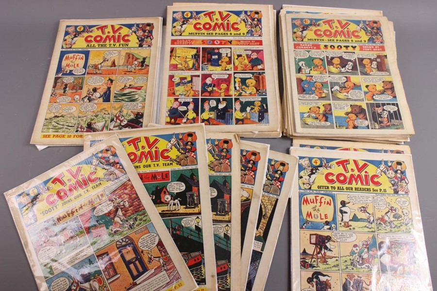 42 TV Comics No. 103 to 258, 1953 to 1956 - Image 2 of 4
