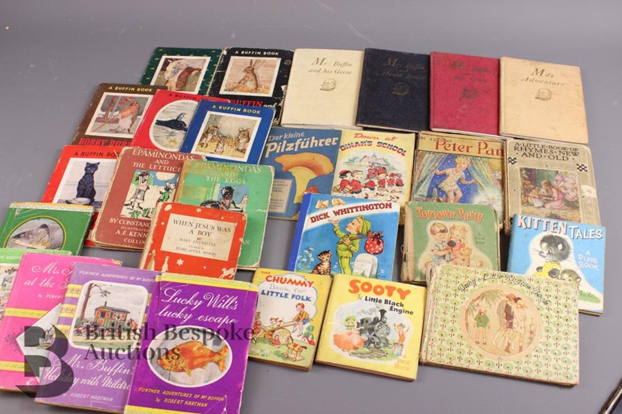 Approx. 150 Vintage Small Format Children's Books - Image 6 of 9