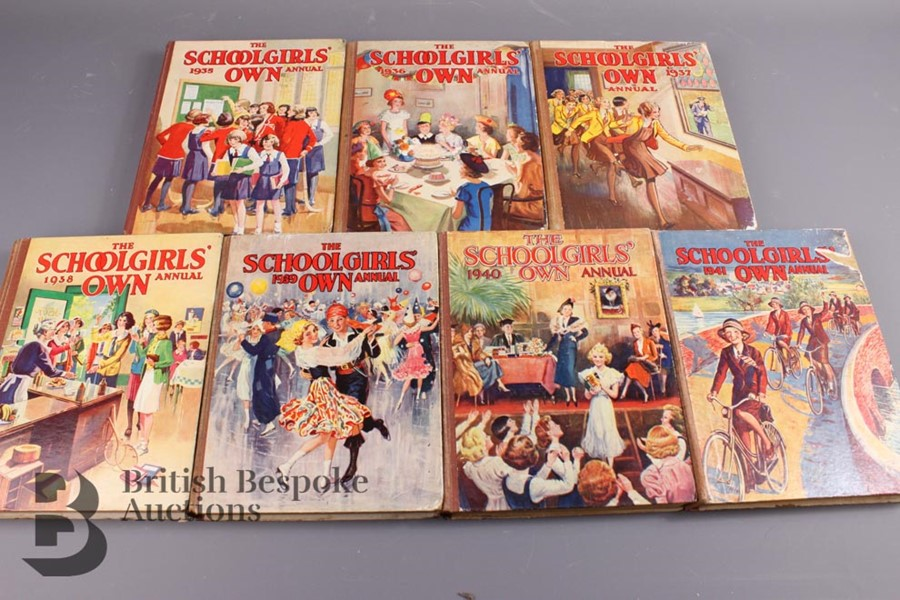 15 Schoolgirls' Own Annuals 1924-1941 - Image 3 of 3