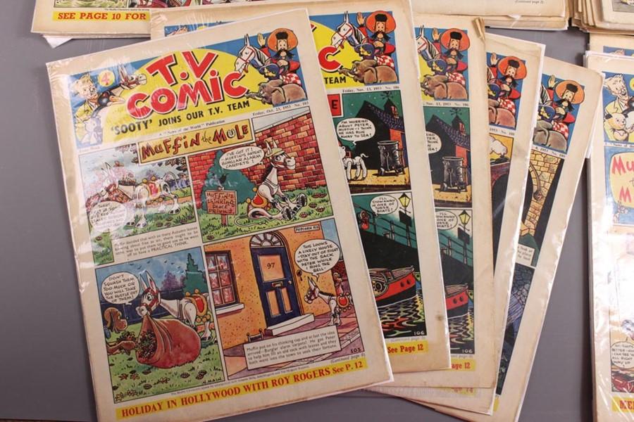 42 TV Comics No. 103 to 258, 1953 to 1956 - Image 3 of 4