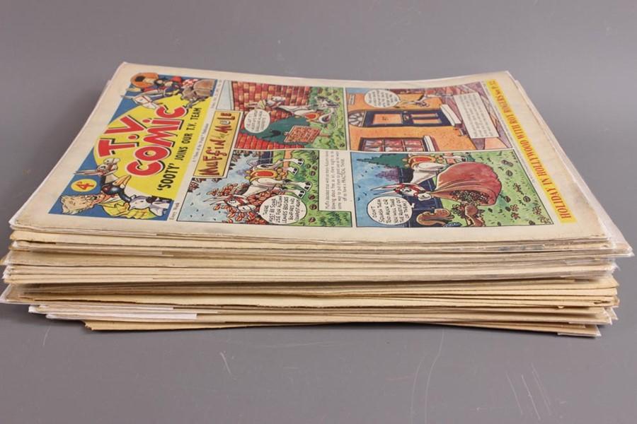 42 TV Comics No. 103 to 258, 1953 to 1956 - Image 4 of 4