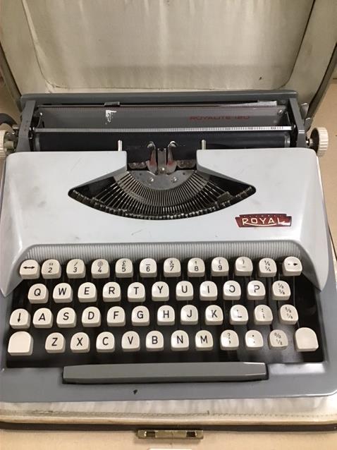Lot 192 - A CASED ROYAL TYPEWRITER