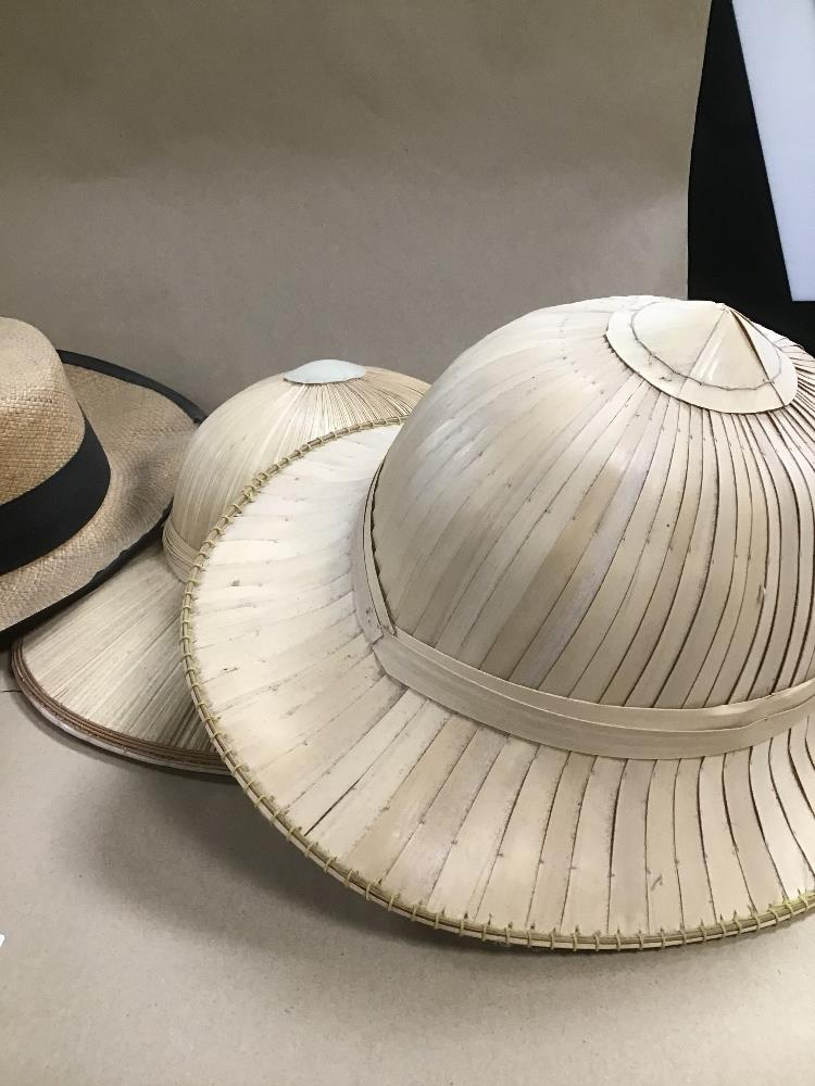STRAW HATS INCLUDING PIF HAT AND A FEZ - Image 2 of 3