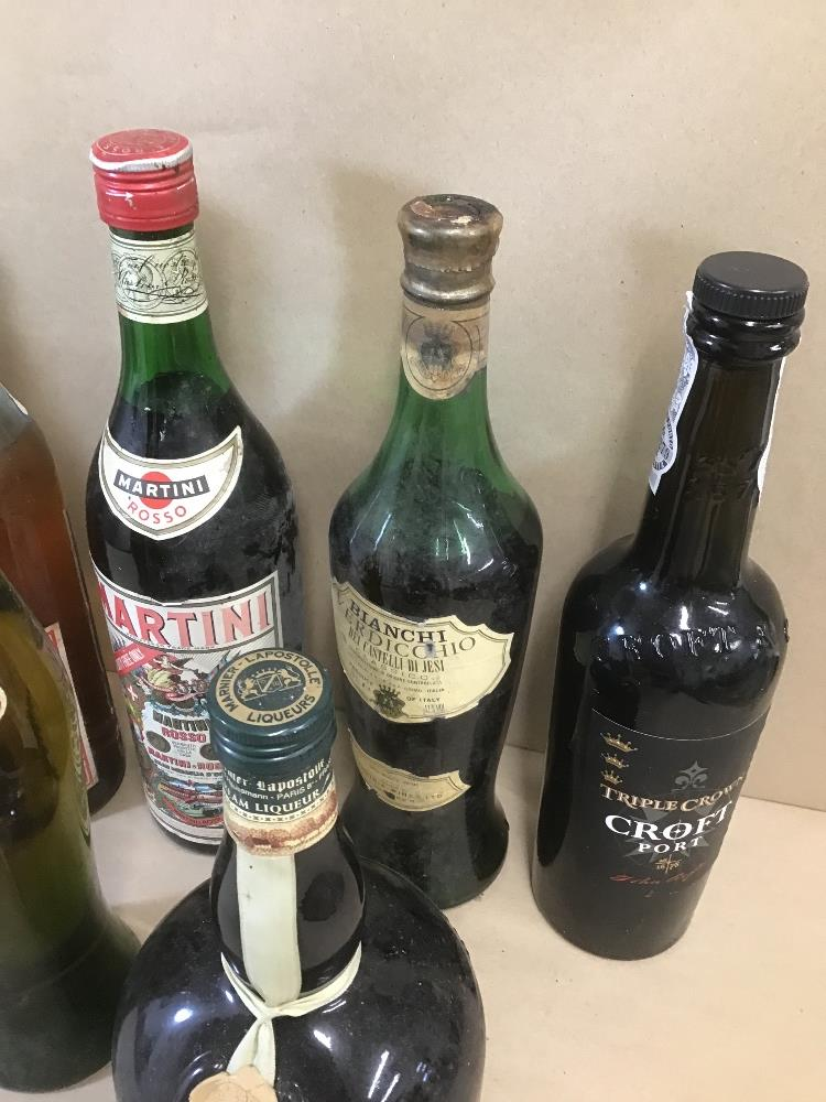 Lot 7 - SEVEN MIXED BOTTLES OF ALCOHOL, INCLUDING TRIPLE CROWN CROFT PORT, MARTINI ROSSO, FRATELLINI