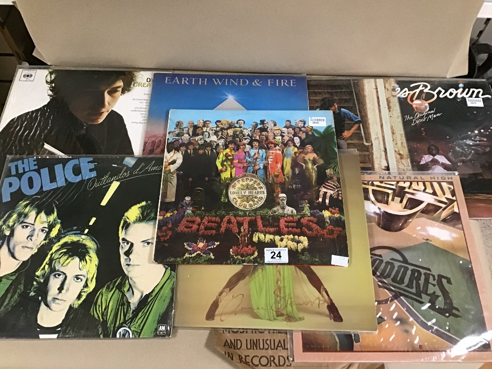 Lot 24 - AN ASSORTMENT OF VINYL ALBUMS AND SINGLES, INCLUDING THE BEATLES SGT PEPPERS