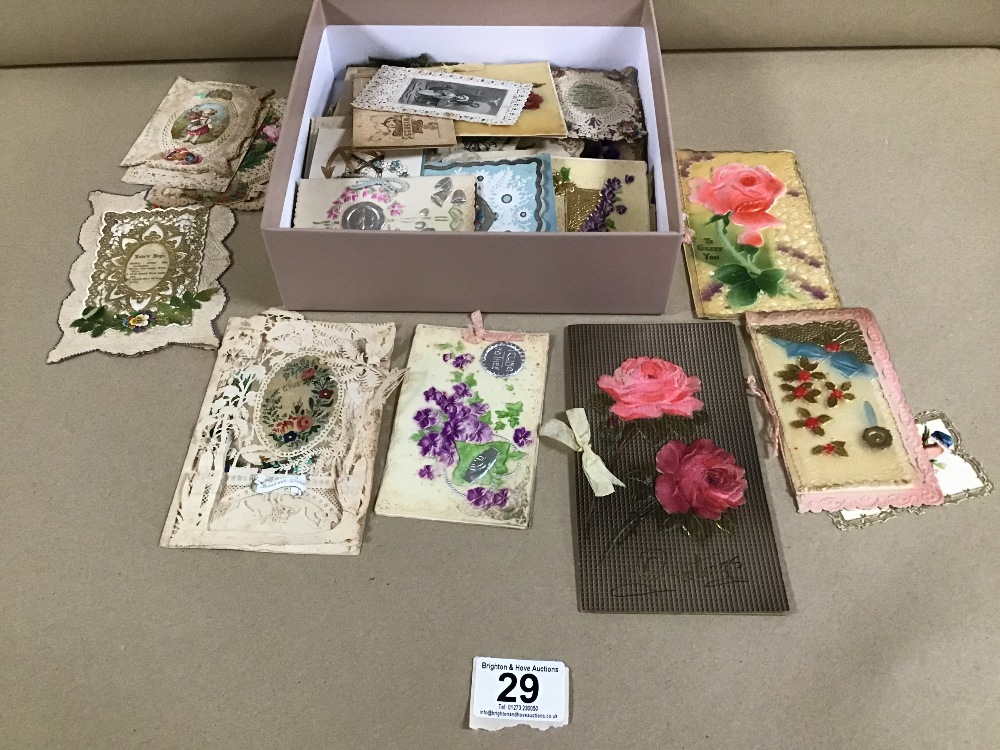 Lot 29 - A COLLECTION OF VICTORIAN CARDS AND POSTCARDS