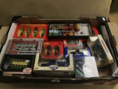 A COLLECTION OF DIE CAST VEHICLES, INCLUDING CORGI ASTON MARTIN DB5, BOXED DINKY 1948 COMMER 8 CWT