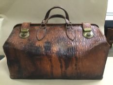 AN EARLY 20TH CENTURY CROCODILE LEATHER GLADSTONE DOCTORS BAG BY PYRAMID HIGH GRADE TRAVEL GOODS,