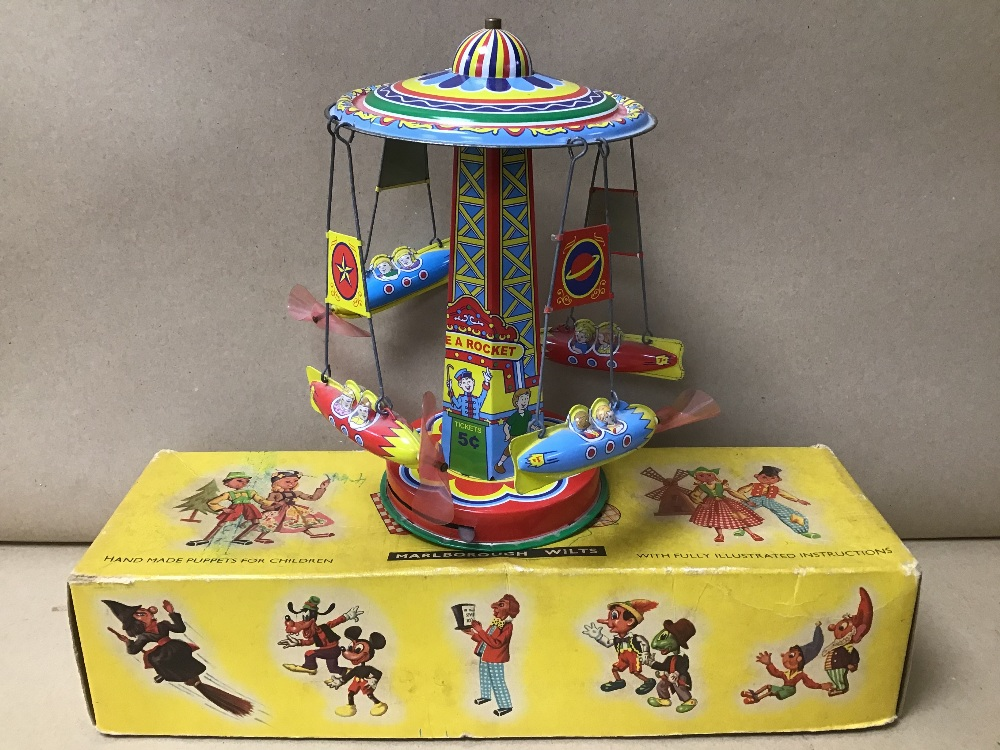 A VINTAGE PELHAM PUPPET OF A CAT, IN ORIGINAL BOX, TOGETHER WITH A TIN PLATE FAIRGROUND TOY - Image 2 of 5