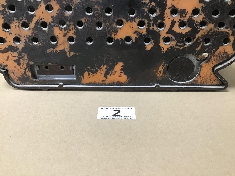 A BAKELITE CASED TESLA 308U VALVE RADIO - Image 4 of 5