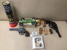 VINTAGE TOYS INCLUDING TWO PISTOLS, ONE BEING A CAP GUN BY IDEAL OF GERMANY, A TRIANG MINI HI-WAY