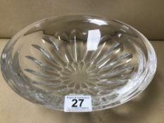LARGE CUT CRYSTAL GLASS CENTREPIECE BOWL, 30.5CM DIAMETER