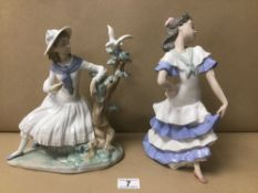 TWO LARGE NAO PORCELAIN FIGURES OF LADIES, 28CM HIGH