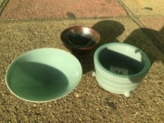 THREE SMALL PIECES OF CHINESE PORCELAIN INCLUDES CELADON