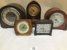 A QUANTITY OF VINTAGE MANTLE CLOCKS INCLUDES SMITHS, TEMPORA, AND NEWPORT