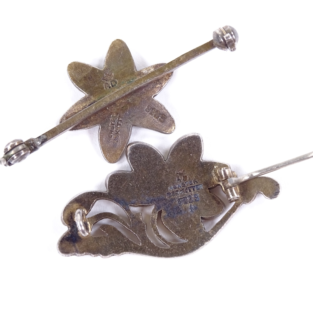 A DRAGSTED - 2 Vintage Danish vermeil sterling silver and white enamel floral brooches, maker's - Image 4 of 5