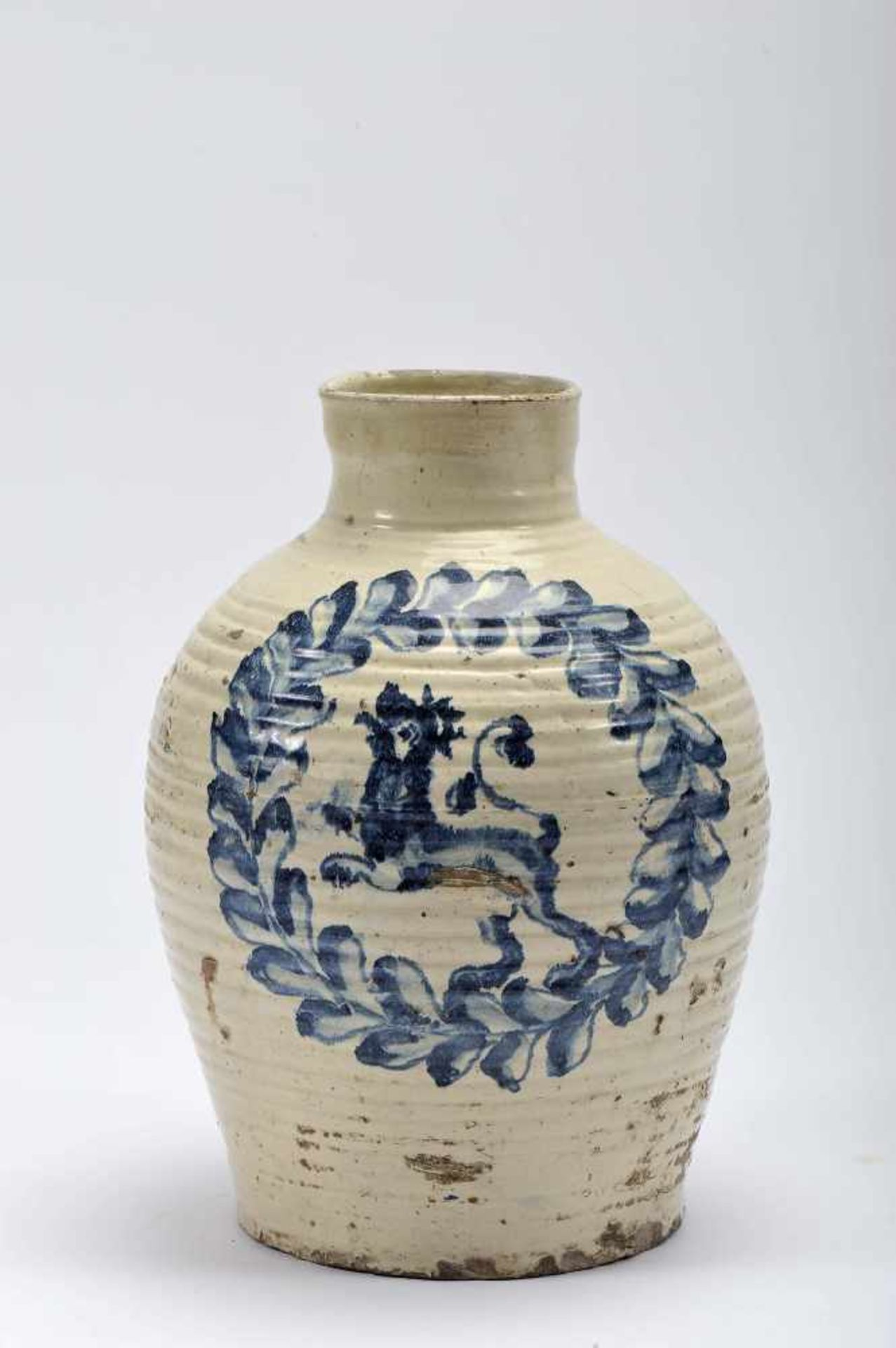 """Los 45 - A PotA Pot, faience, blue decoration """"Lion wrapped in garland"""", 17th/18th C., large restoration..."""