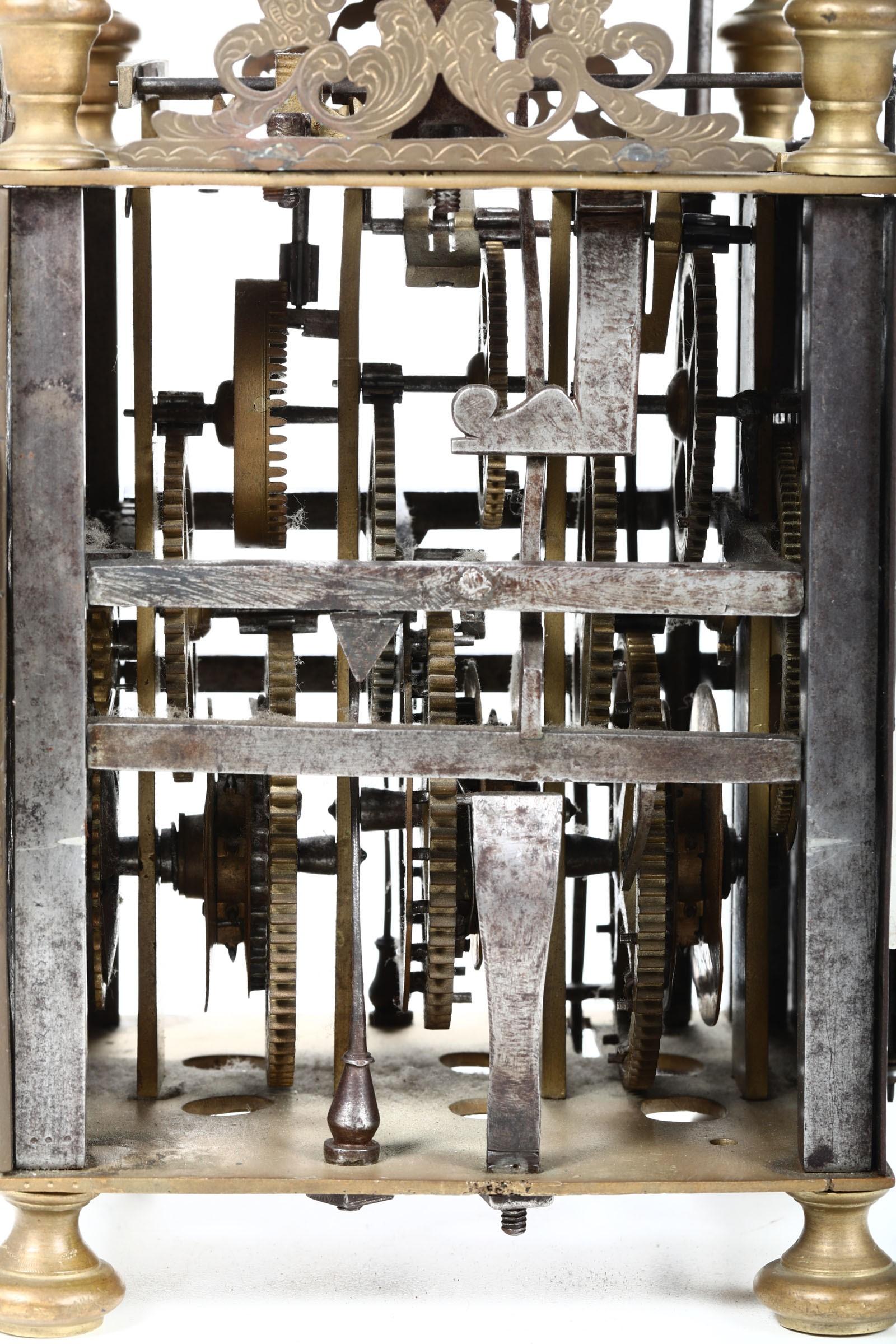 Lot 146 - Orologio a lanterna, Paulus Botti, Napoli XVIII secolo, - Scappamento a verga. [...]
