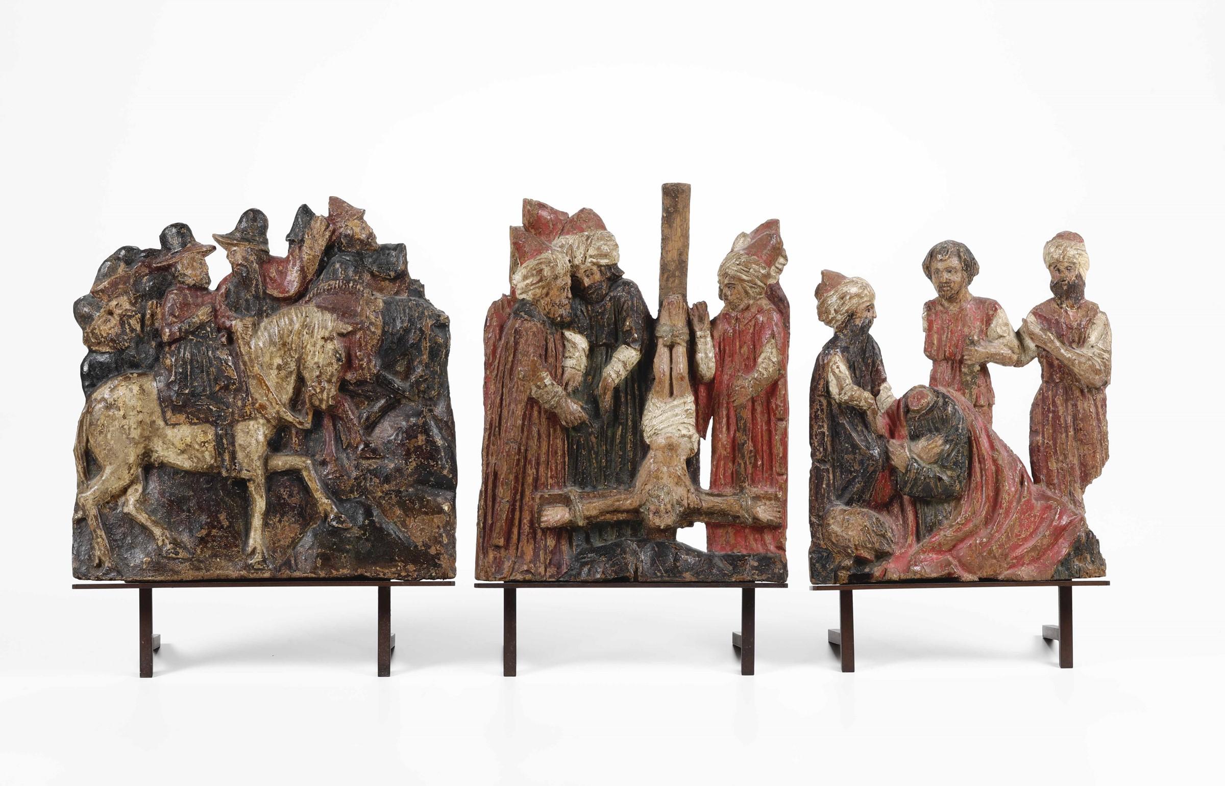 Lot 102 - Magi a cavallo, martirio di San Pietro e San Paolo. Rilievi in legno policromo Arte [...]