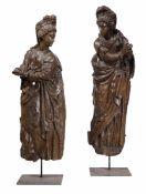 Due rilievi raffiguranti figure femminili. Legno scolpito. Scultore rinascimentale [...]