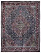 Tappeto Tabriz, Persia inizio XX secolo, - campo blu con decoro herati, particolare [...]