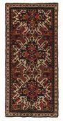 Tappeto Chelaberd, Caucaso fine XIX inizio XX secolo, - campo con tre medaglioni [...]