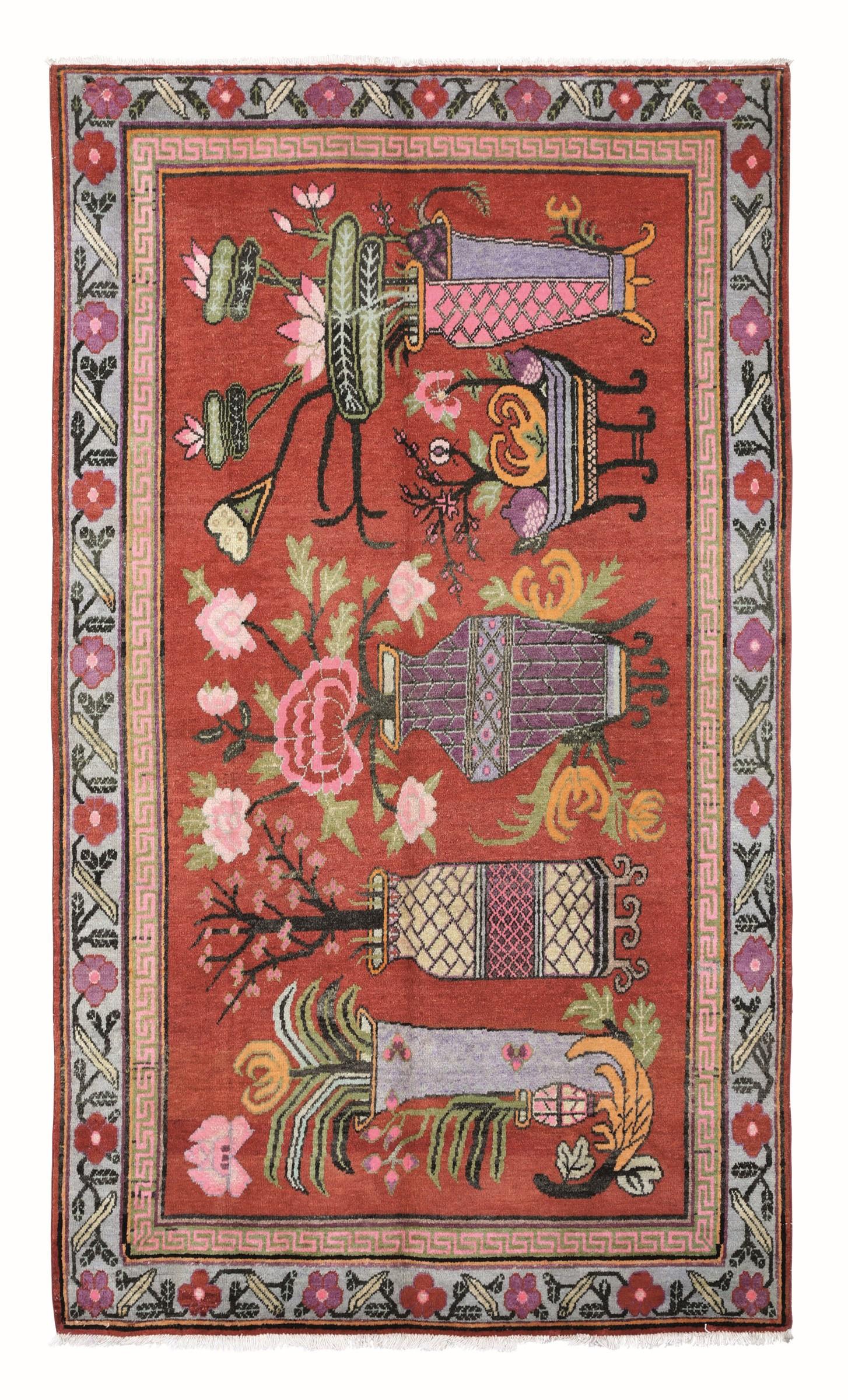 Tappeto Kothan, est Turkestan prima metà XX secolo, - campo arancione con vasi di [...]