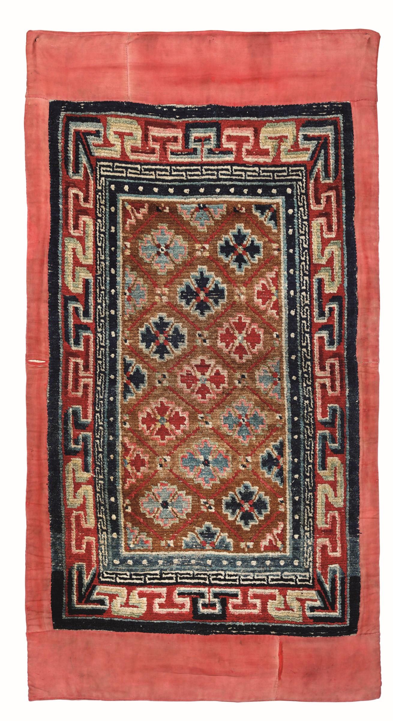 Tappeto Gyantse Khaden, Tibet inizio XX secolo, - tappeto da riposo con motivo a [...]