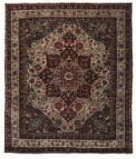 Tappeto Kirman, Persia fine XIX inizio XX secolo, - campo col classico medaglione [...]