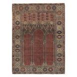 Tappeto Ladik, Anatolia XIX secolo, - nicchia mattone, sovrannicchia con garofani, [...]