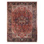 Tappeto Heritz nord ovest Persia inizio XX secolo, - campo mattone con medaglione [...]