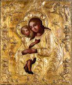 Icona con riza in metallo dorato raffigurante la Deipara con Cristo. Russia XIX [...]