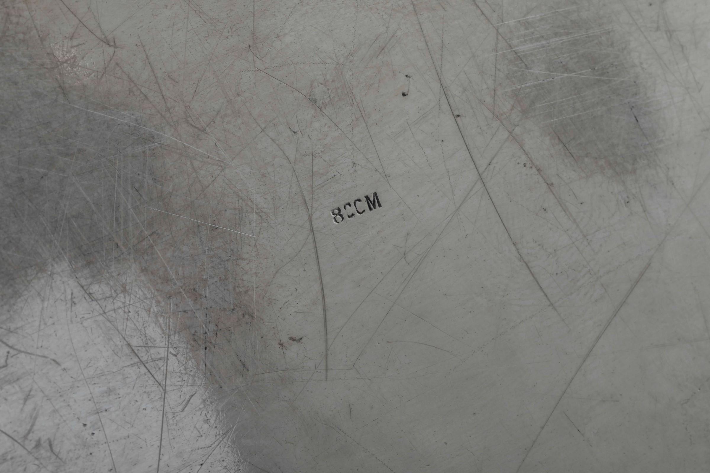 Vassoio ovale in argento inciso. Bollo di Gustav Memmert, Berlino, manifattura [...] - Image 2 of 2
