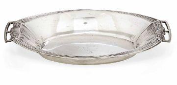 Centrotavola ovale in argento realizzato da Franz Mosgau di Berlino verso la fine del [...]