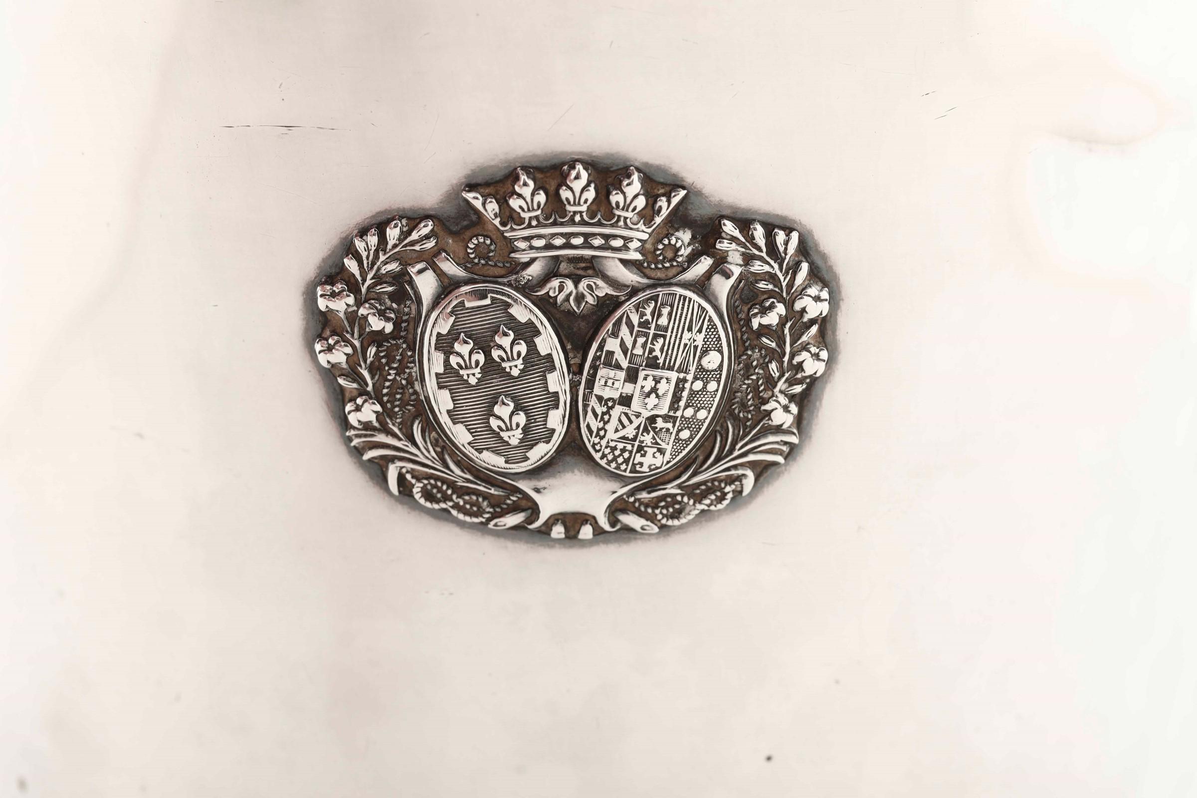 Rinfrescatoio in argento primo titolo fuso, sbalzato e cesellato. Parigi 1819-1838. [...] - Image 2 of 4