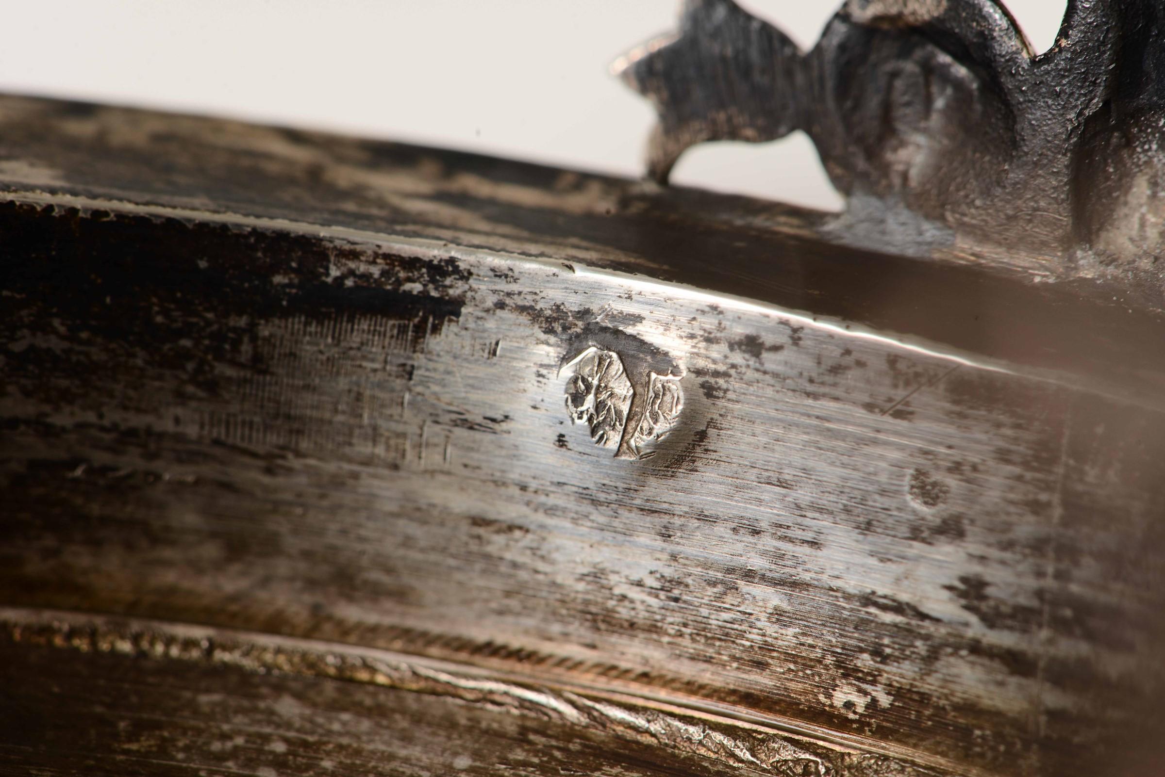 Coppa con coperchio in argento primo titolo fuso, sbalzato e cesellato. Parigi XIX [...] - Image 6 of 6