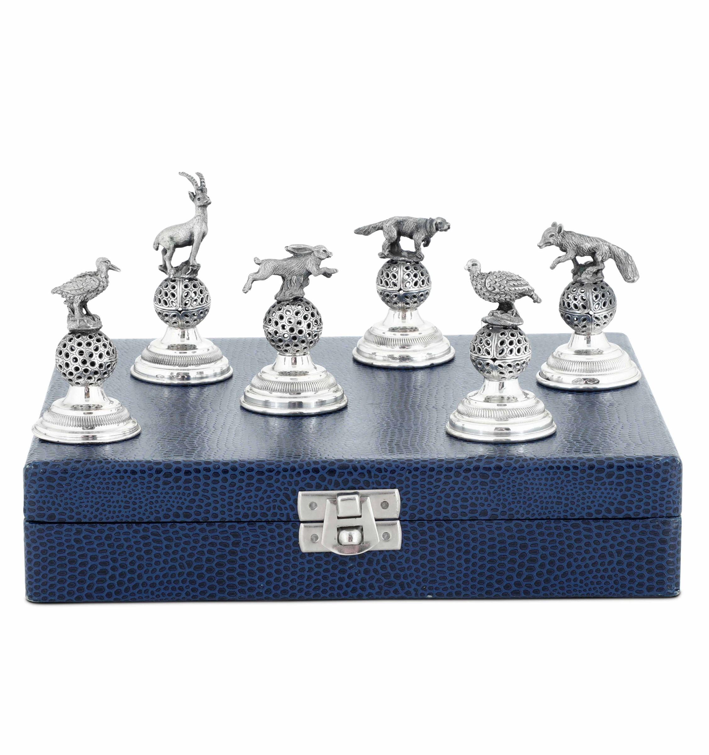 Sei segnaposto in argento e legno a foggia di animali da caccia. Argenteria italiana [...] - Image 2 of 3