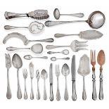 Servizio di posate per dodici coperti in argento. Manifattura italiana prima metà [...]