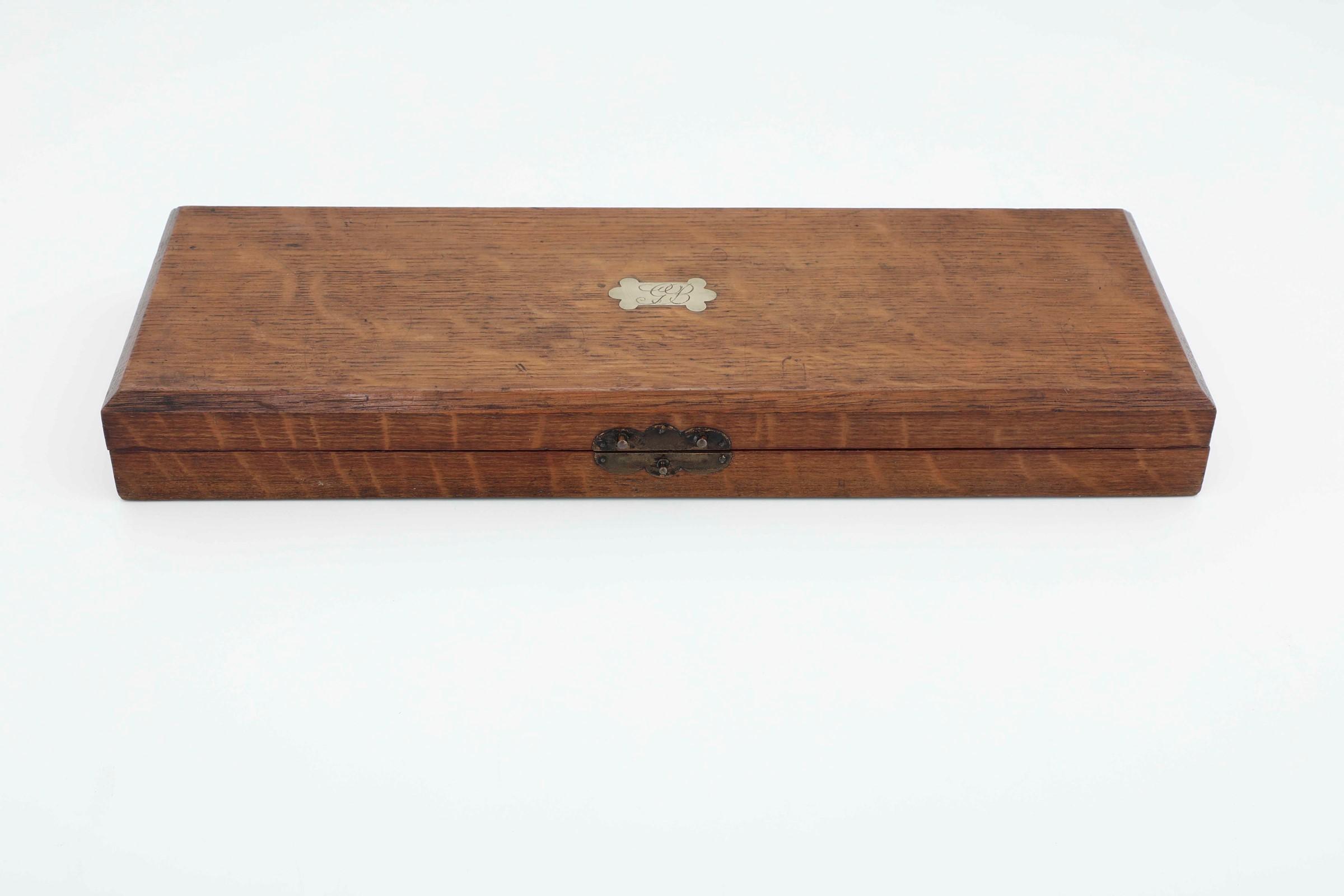 Set di posate da arrosto con finiture in argento e manici in corno, Inghilterra XX [...] - Image 4 of 4