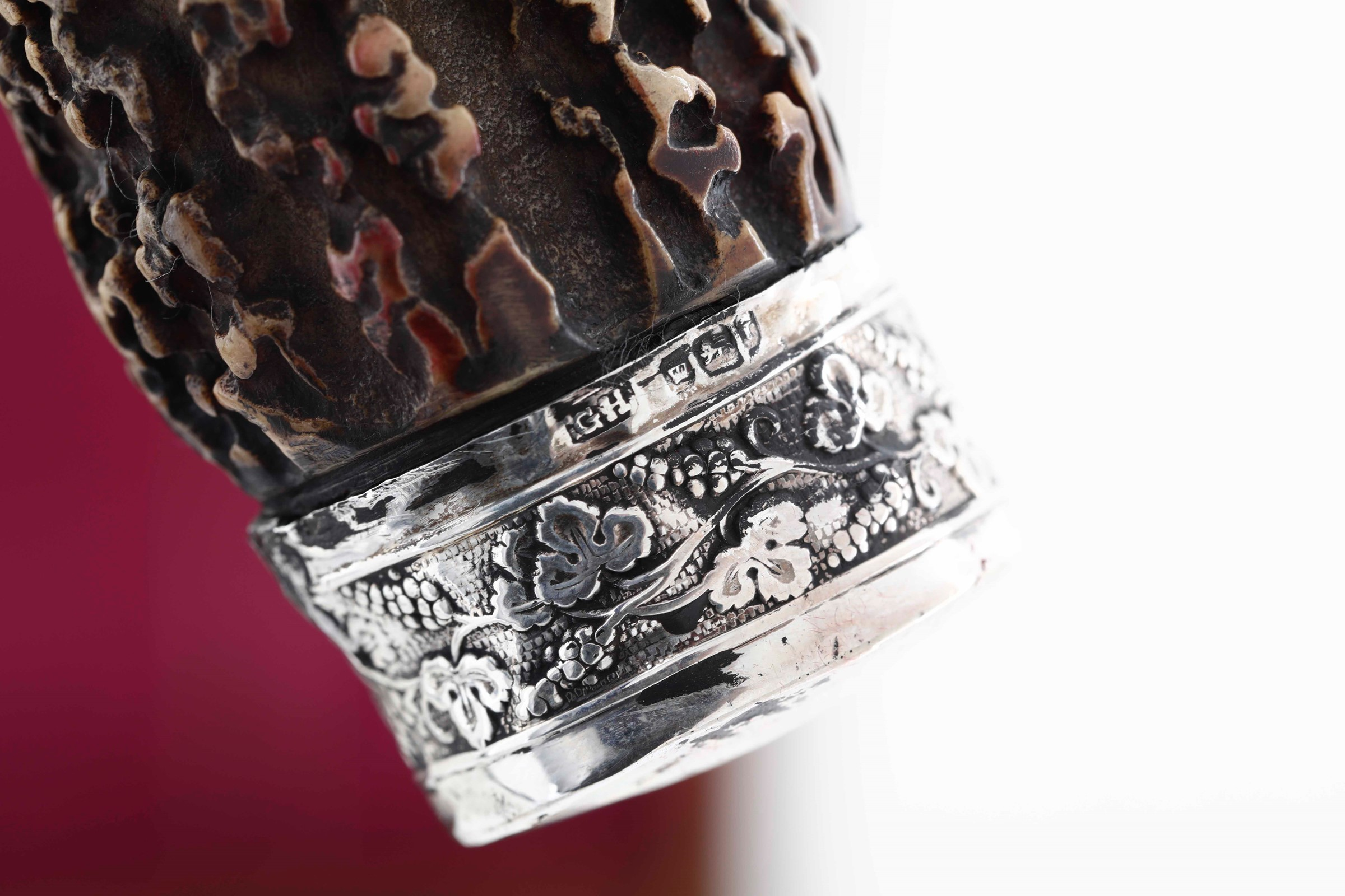 Set di posate da arrosto con finiture in argento e manici in corno, Inghilterra XX [...] - Image 2 of 4