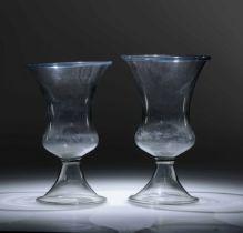 Two blown glass vases, Italy, 15-1600s - Altezze cm 28,3 e cm 29,5 Corpo globulare [...]