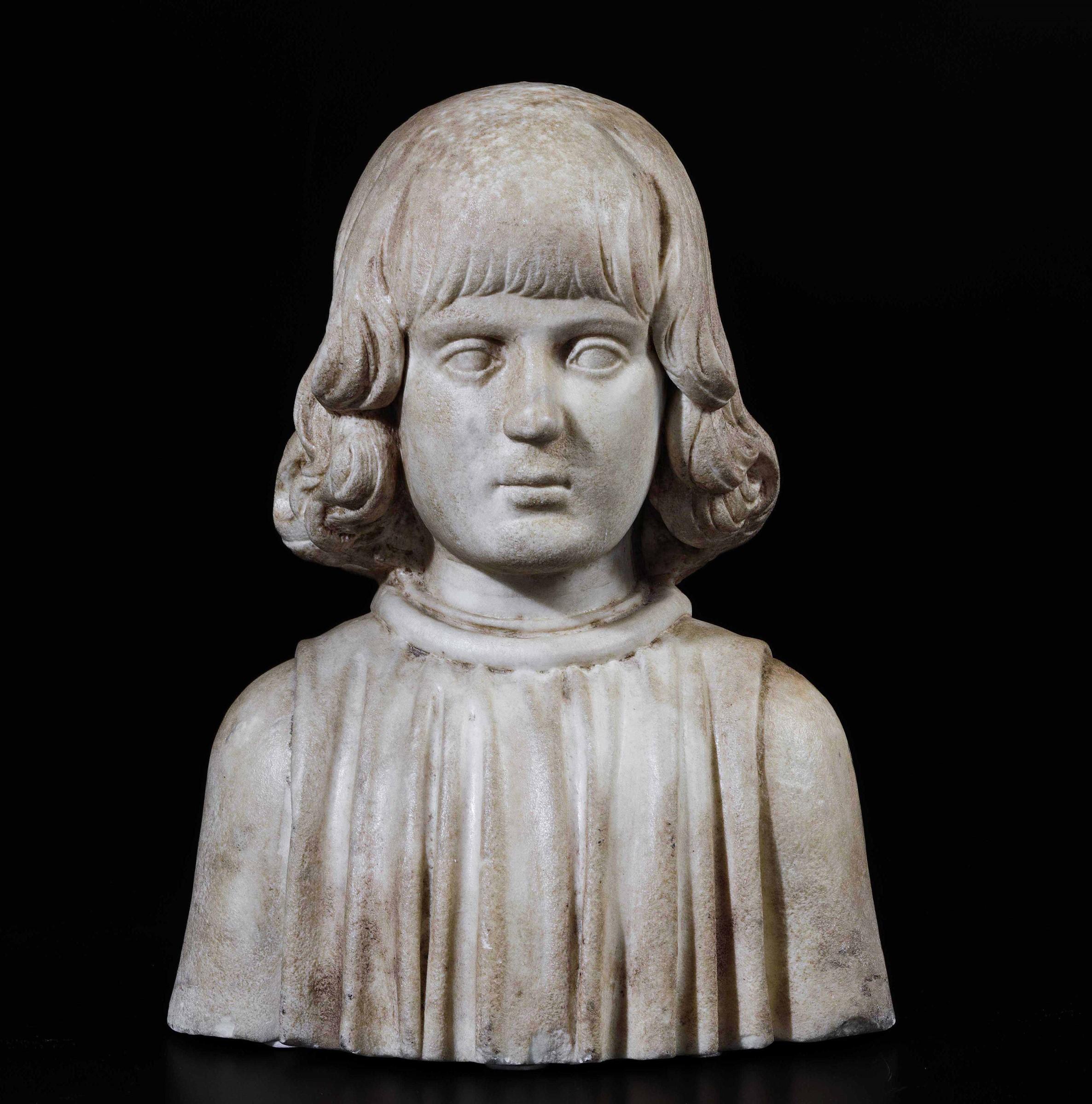 A marble bust, attr. F. Laurana, 1400s - cm 41x32x22. L'opera è accompagnata da una [...]