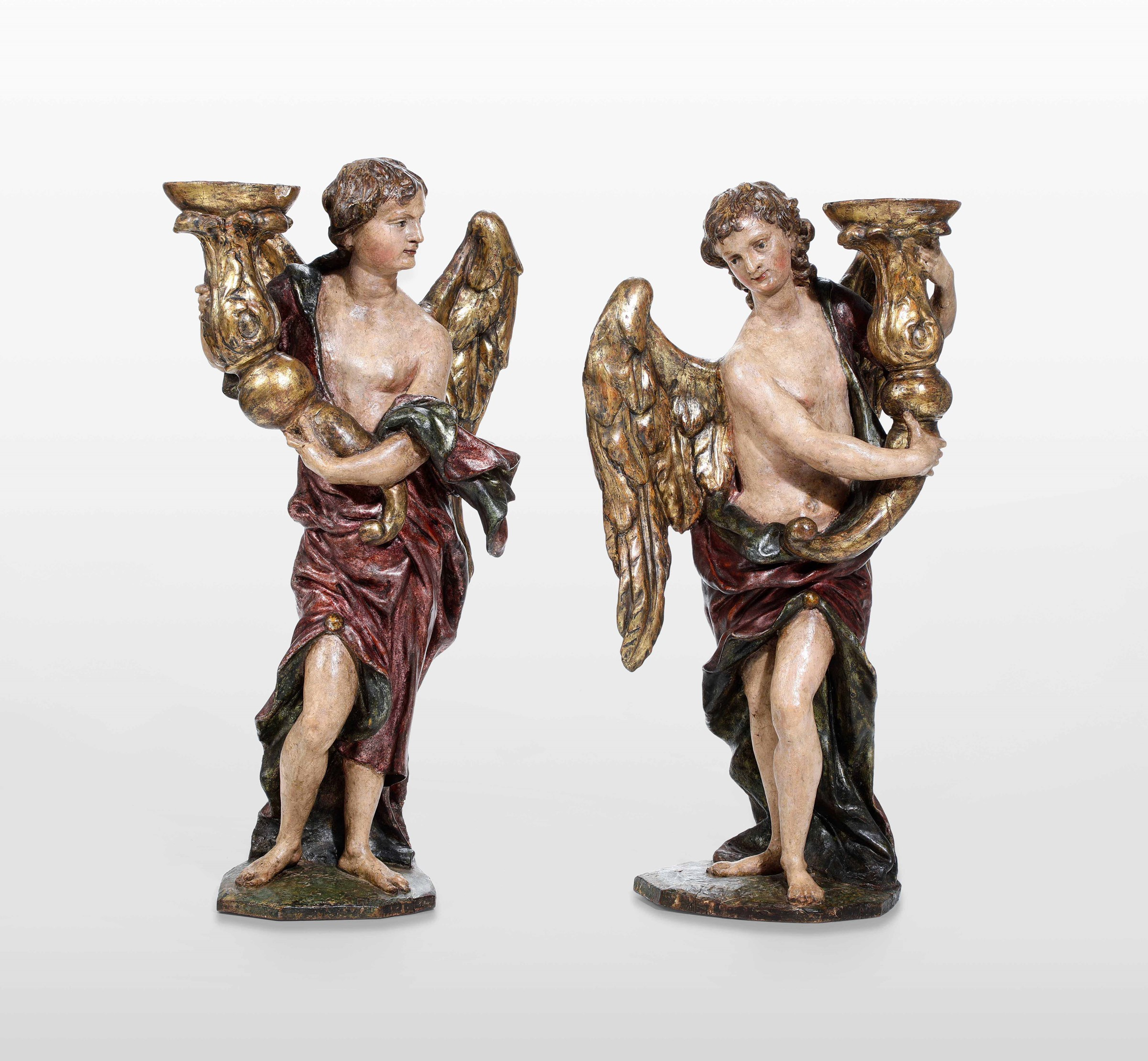 Two wooden candle-holding angels, Veneto, 1600s - altezza cm 51 circa -