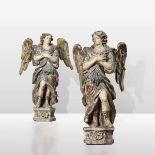 Two wooden angels, Italy, 1600s - altezze cm 102 e cm 104, colonne altezza cm 100 -