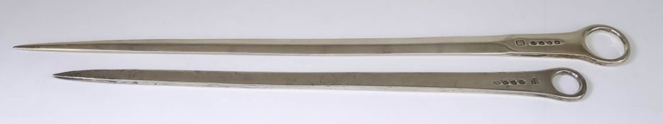 A George III Plain Silver Meat Skewer, by Thomas Wallis & Jonathan Hayne, London 1812, with ring